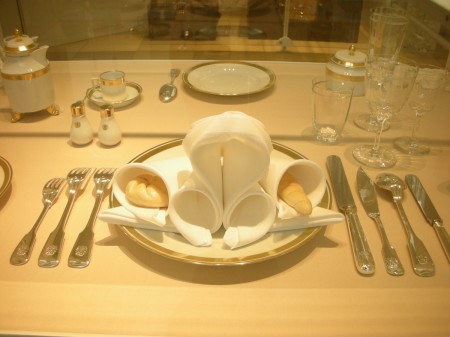 """Apparently, this method of napkin folding is a """"Secret of the Austrian State"""" and only five people in the whole world know how to do it. It's still used for state dinners even now."""