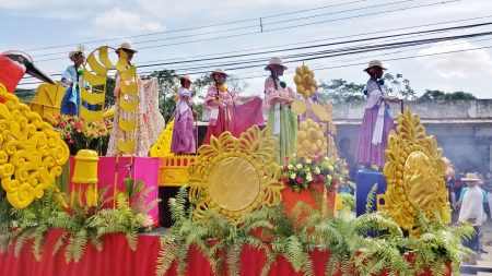 Queens on the Float